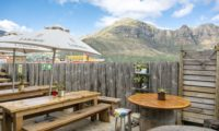 the bay harbour market - hout bay market 2
